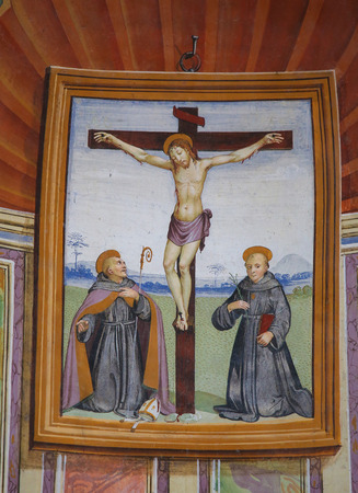 Painting depicting the Crucifixion in the Church of Sant Agostino in San Gimignano, Tuscany, Italy Standard-Bild - 111810676