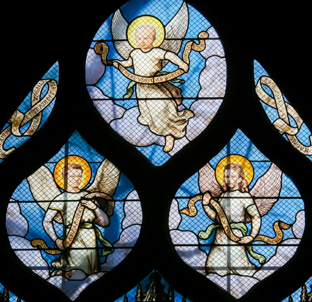 Stained Glass in the Church of Saint Severin, Latin Quarter, Paris, France, depicting Angels Banque d'images