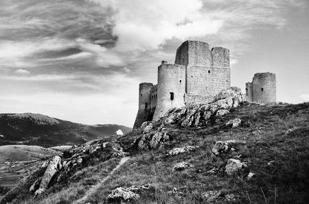appennino: Rocca di Calascio in Abruzzo, Italy Stock Photo