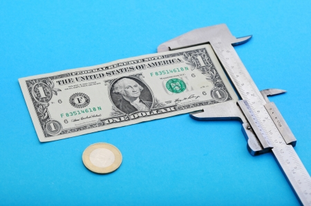 Measuring money note with vernier photo