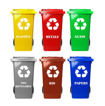 reciclar: Papeleras de reciclaje Foto de archivo