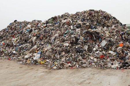 Heap de divers déchets mixtes