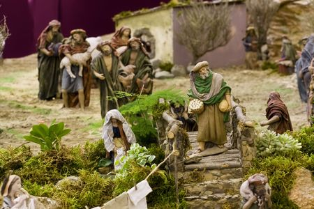 believers: Believers in queue to give their presents to baby Jesus.