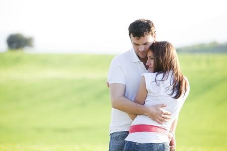 Detailansicht auf junge schöne Paar in der Liebe
