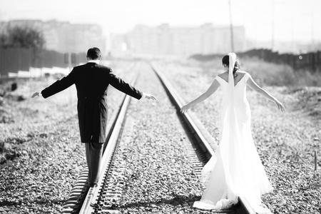 Nur verheiratetes Paar, ein neues Leben zusammen, starke Konzept.