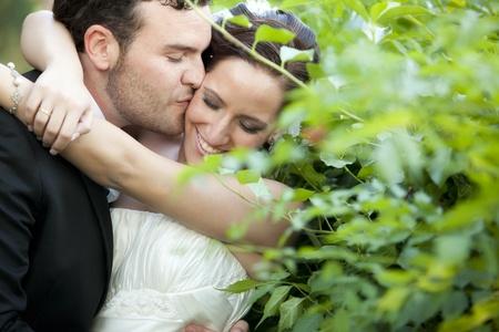 Eine leidenschaftliche nähern zwischen einem just married couple