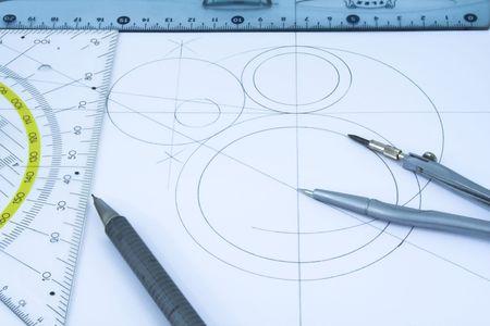 dibujos geométricos y los instrumentos de dibujo  Foto de archivo - 3342778