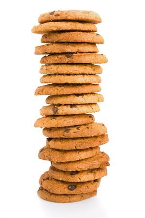 cookie chocolat: Pile de brisures de chocolat cookies isol� sur fond blanc