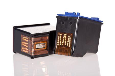 zastąpić: Drukarki atramentowe kaset samodzielnie na białym tle