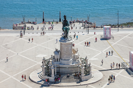 rio: Lisbon, Portugal. August 31, 2014: Aerial view of the Praca do Comercio  (Commerce Square) also known as  Terreiro do Paco, with the King Dom Jose statue, the Cais da Colunas (Columns Pier) and the Tagus River estuary