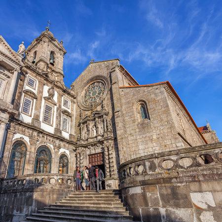 14th: Porto, Portugal. 29 de diciembre 2014: Sao Francisco Church. La arquitectura g�tica del siglo 14 en el templo principal. Unesco Patrimonio de la Humanidad