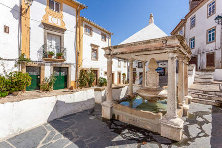 sephardi: Fonte da Vila (Towns Fountain) in the Jewish Quarter of Castelo de Vide, Portalegre, Portugal. 16th century fountain.