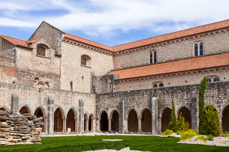 mendicant: Santarem, Portugal. September 9, 2015: Cloister of the Sao Francisco Convent. 13th century Mendicant Gothic Architecture. Franciscan Religious Order. Editorial