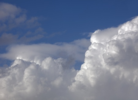 Blue sky with white clouds Imagens