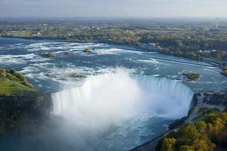 De la rivière Niagara et Niagara Falls Banque d'images - 11719267
