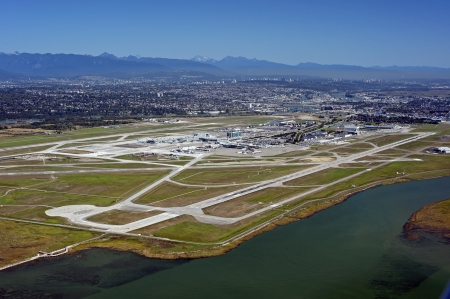 fraser river: Airport on the Sea Island and Metro Vancouver Editorial