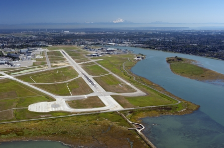 fraser river: Airport on the Sea Island, Metro Vancouver and Mt. Baker