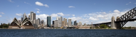 Sydney panoramic view w Opera House and Harbour Bridge Imagens