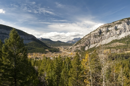 Crowsnest Pass in Rocky Mountains Stock Photo - 16209633