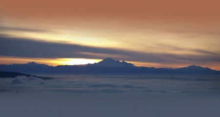 mt baker: Mt  Baker and Coast Mountains, Washington, USA Stock Photo