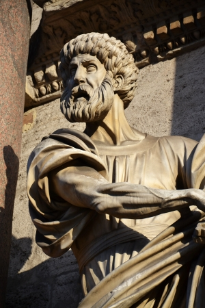 Statue of Saint Peter by Francesco Mochi on Porta del Popolo, Rome, Italy Stock Photo - 15599168
