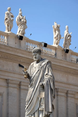 Statue of St. Peter in Vatican Stock Photo - 15759666