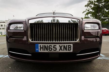 �xtasis: Praga, Rep�blica Checa - 20 de mayo: coche coup� Rolls-Royce Wraith con el esp�ritu del �xtasis emblema - el m�s potente de Rolls Royce en la historia el 20 de mayo, 2016, Praga, Rep�blica Checa.