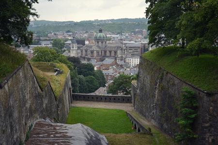 Ville belge Namur, capitale de la province de Namur et de la Wallonie, vue aérienne