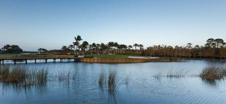 Golfbaan watergat Stockfoto