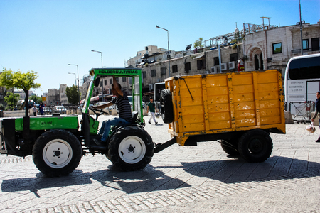 Jerusalem Israel April 24, 2018 Transportation in the street of the old city of Jerusalem on afternoon Reklamní fotografie - 100722951
