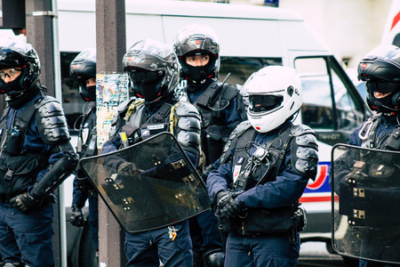 Paris France May 04, 2019 View of a riot squad of the French National Police in intervention during protests of the Yellow Jackets against the policy of President Macron in Paris on saturday afternoon Standard-Bild - 121983015
