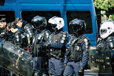 Paris France May 04, 2019 View of a riot squad of the French National Police in intervention during protests of the Yellow Jackets against the policy of President Macron in Paris on saturday afternoon Standard-Bild - 121982980
