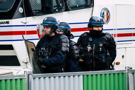 Paris France May 04, 2019 View of a riot squad of the French National Police in intervention during protests of the Yellow Jackets against the policy of President Macron in Paris on saturday afternoon Standard-Bild - 121982975