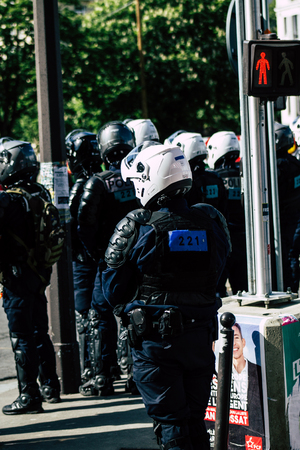 Paris France May 04, 2019 View of a riot squad of the French National Police in intervention during protests of the Yellow Jackets against the policy of President Macron in Paris on saturday afternoon Standard-Bild - 121982939