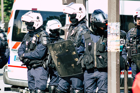 Paris France May 04, 2019 View of a riot squad of the French National Police in intervention during protests of the Yellow Jackets against the policy of President Macron in Paris on saturday afternoon Standard-Bild - 121982949