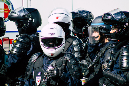Paris France May 04, 2019 View of a riot squad of the French National Police in intervention during protests of the Yellow Jackets against the policy of President Macron in Paris on saturday afternoon Standard-Bild - 121982954