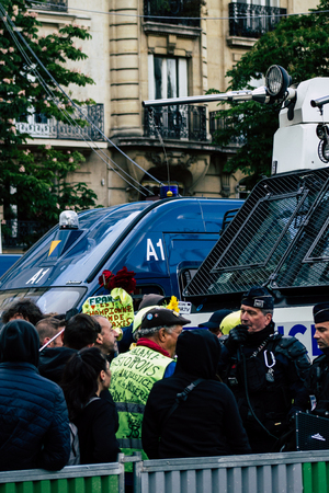 Paris France May 04, 2019 View of a riot squad of the French National Police in intervention during protests of the Yellow Jackets against the policy of President Macron in Paris on saturday afternoon Standard-Bild - 121982923