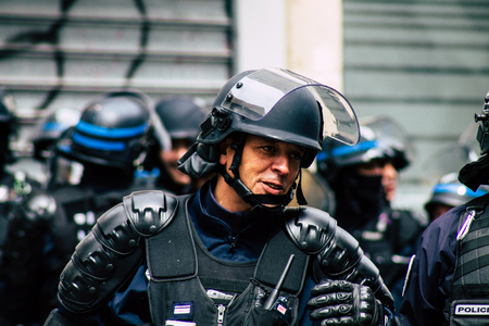 Paris France May 04, 2019 View of a riot squad of the French National Police in intervention during protests of the Yellow Jackets against the policy of President Macron in Paris on saturday afternoon Standard-Bild - 121982933