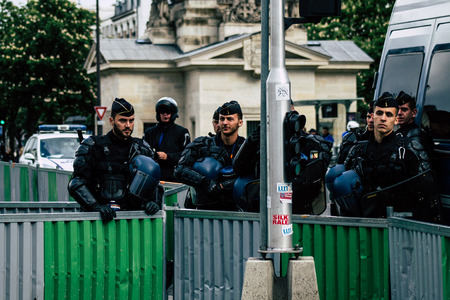 Paris France May 04, 2019 View of a riot squad of the French National Police in intervention during protests of the Yellow Jackets against the policy of President Macron in Paris on saturday afternoon Standard-Bild - 121982910