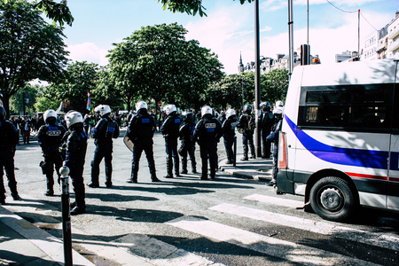 Paris France May 04, 2019 View of a riot squad of the French National Police in intervention during protests of the Yellow Jackets against the policy of President Macron in Paris on saturday afternoon Standard-Bild - 121982911