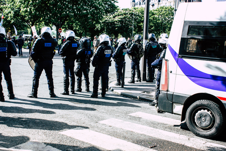 Paris France May 04, 2019 View of a riot squad of the French National Police in intervention during protests of the Yellow Jackets against the policy of President Macron in Paris on saturday afternoon Standard-Bild - 121982843