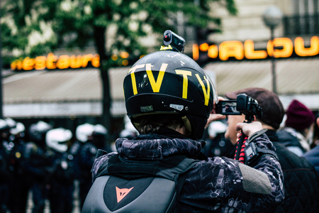Paris France May 04, 2019 View of press journalist covering protests of the Yellow Jackets against the policy of President Macron in Paris on saturday afternoon Standard-Bild - 121982811
