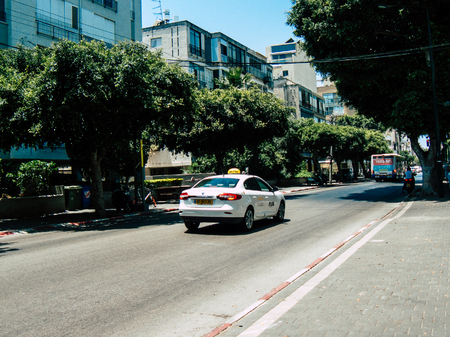 Tel Aviv Israël 23 mai 2019 Vue du taxi traditionnel dans les rues de Tel Aviv dans l'après-midi