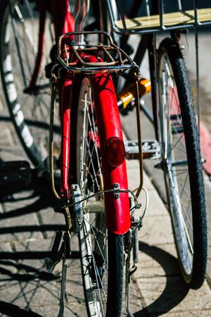 Tel Aviv Israel January 31, 2020 Closeup of bicycle parked in the streets of Tel Aviv in the afternoon Stockfoto