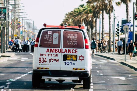 Tel Aviv Israel June 15, 2019 View of a Israeli ambulance rolling in the streets of Tel Aviv in the afternoon 免版税图像