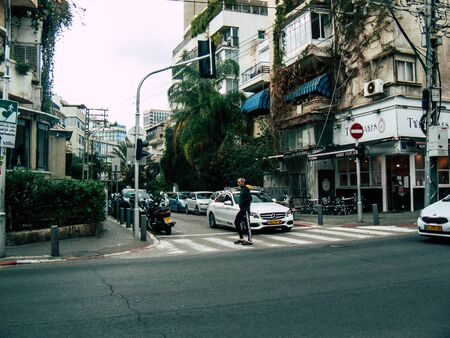 Tel Aviv Israel December 21, 2018 View of unknown Israeli people walking in the streets of Tel Aviv in the afternoon Imagens