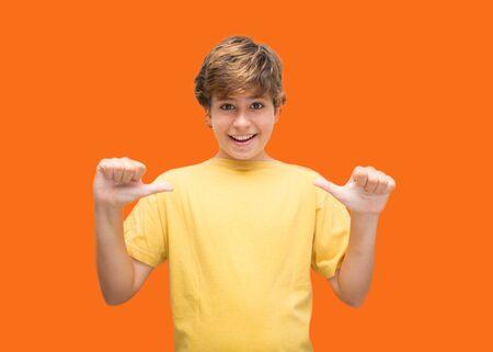 Boy points to himself with a casual air Zdjęcie Seryjne