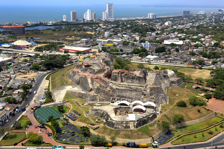 Fotografia aerea de la ciudad de Cartagena con vista del Castillo de San Felipe. FotoJose Miguel Gomez 写真素材