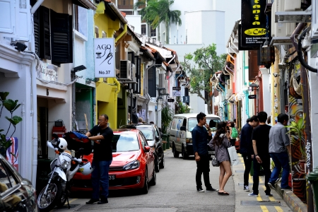 parlours: Haji Lane is a funly enclave inSingapore, next to the Arab district, and is frequent by groovy young people   There are independent boutiques, tattoo parlours and turkish cafes here   Singapore, 25 Jan 2013