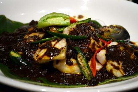 gado: Sauteed fish or chicken at buffet Indonesian food